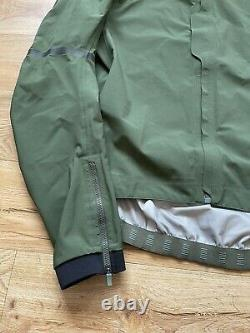 Rapha Pro Team Race Cape Cycling Jacket Size XXL Green Lightly Used